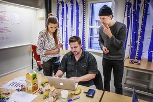 Det fanns många kreativa lösningar på problemet. Maria Rumm, Johan Wikström och Eric Olasson inspirerades av svenska folkets stora träningsintresse.