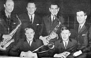 Ådalskanonerna år 1966 - vid premiärkvällen för Hullsta. Övre raden från vänster; Bengt Sjölund, Rune Strandberg, Weiner Erlander och Stieg Ericson. Sittande från vänster; Ulf Holmsten och Bert Holmsten.