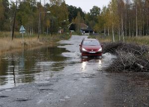 Säsongens första översvämning vid Forsbackabron inträffade på söndagen.
