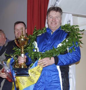 Jari Saarinen och Jörgen Fornander, SMK Kvarnvingarna, efter segern i den fyrhjulsdrivna klassen.