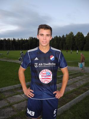Felix Hjort blev matchvinnare för Kvarnsveden, då han satte dit 2–1 med kvarten kvar att spela.