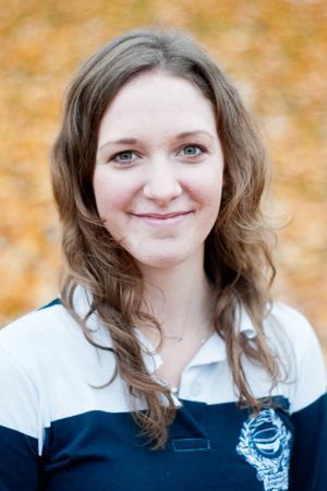 Emilia Blomqvist ska via seminarier, debatter och mingel kartlägga bland annat om det finns hörslinga och bedöma hur ljudmiljön är. Statistiken jämförs sedan med tidigare års undersökningar.