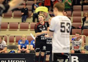 Johan Fahlström firar efter sitt 4–0-mål.