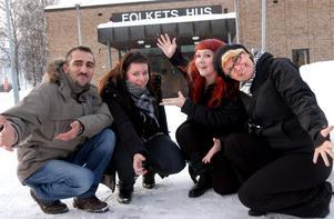 Februarifesten ska vara en tillställning med och för ungdomar. På lördag öppnas Folkets hus och Ilhan Gezer, Jasmine Sundblad, Ingela Pettersson och Fatima Melinson hoppas på stort gensvar.