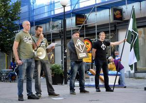 Nazistiska Svenska motståndsrörelsen hade runt tio personer på Storgatan.