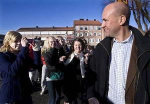 Eleverna han in fatt honom och kunde ställa några frågor innan han satte sig i bilen mot Sundsvall.