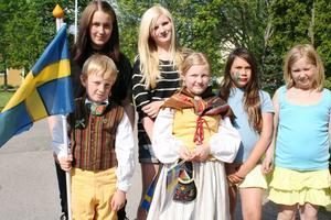 Liam, Victoria, Evelina, Cornelia, Carolina och Jessica var med och firade i Horndal.