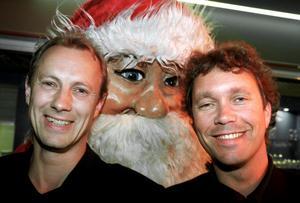 Triple and Touch: Ken Wennerholm (t.v.) samt Göran Rudbo (t.h.). deltar i tv-inspelningen av årets stora julkonsert.