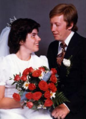 Trettioårig bröllopsdag firar idag Kerstin, född Forselius, och Sten-Olov Bylund, Njurunda.De vigdes i Bergsjö kyrka den 19 juli 1975. Vigselförrättare var kyrkoherde Sten Lund.