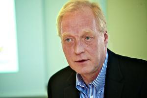Carl Ström, regionchef för Svenskt Näringsliv, är kritisk till Anna Heds utspel om att bojkotta Melkers Chark i Falun.