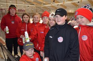 – Om vi får igång samma spel som tidigare så kommer vi att vinna finalen, sa Anton Hagman (svart jacka), målvakt i Falu IF innan matchen. Falukillarna förlorade dock finalen mot Västerås med 2-4.