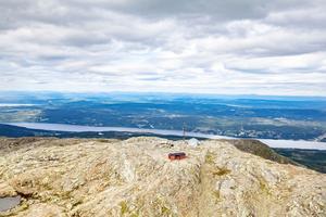 Toppstugan på Åreskutan med norra Jämtlandsfjällen i bakgrunden.