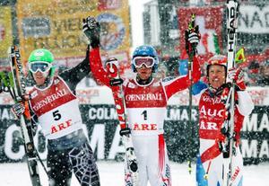 Herrpallen i gårdagens storslalom; tvåan Ted Ligety, USA, ettan Benjamin Raich, Österrike, trean Didier Cuche, Schweiz.