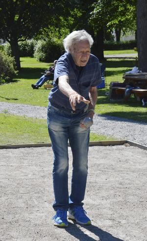 Åke Henriksson hjälpte till att föra Delsbo till segern.