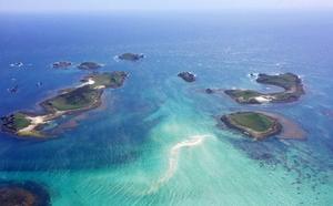 Med egen båt är det lätt att nå The Eastern Isles, några småöar öster om huvudön St Marys.