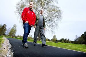 Göran Eriksson och Hans Ström samarbetar i ett projekt där Gävle golfklubb tillgänglighetsanpassar sina banor och klubbhuset. Målet är att välkomna fler med fysiska och intellektuella funktionsnedsättningar.