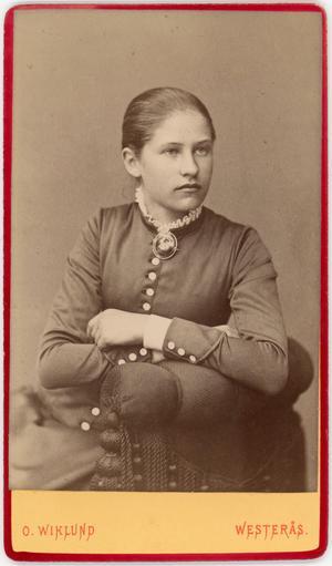 Lydia Wahlström 15 år gammal 1884. Foto: O. Wiklund