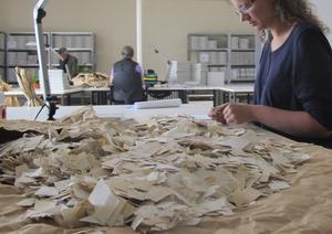 Det pågår ett mödosamt arbete med att rekonstruera de dokument som Stasipersonal jobbade skift med att försöka förstöra efter murens fall.
