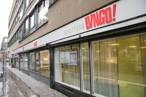 Brynäsbingon har öppnat under skyltningen Idrottens Bingo på Norra Rådmansgatan. I lokalen fanns tidigare Lampbutiken.