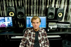 Avicii, Tim Bergling, fotograferad i sin studio  2011. Bild: Lars Pehrson/TT arkiv