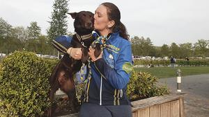 Caroline Mähler och hennes kelpie Lilja tog sig till final i Holland. Foto: Privat