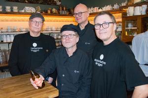 Gänget från Westerbottens bryggeri visar upp nykomlingen Nolaskogs.