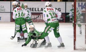 Henrik Kjellsson räddade ett par frilägen mot Broberg och visade återigen att han kommer bli en stormålvakt vad det lider.