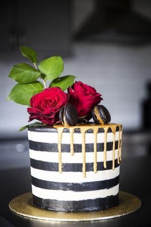 Elins tårt-inspiration kommer från sidor som Pinterest och Instagram. Favoritkonditorn heter Roy Fares som driver konditorikedjan Mr Cake.