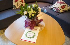 Blommor, diplom och 75 000 kronor. Grundsärskolan fick den större delen av årets Frirumsstipendium.