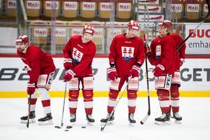 Albin Lundin, Jonathan Dahlén och Jens Lööke får nytt sällskap i power play när Filip Westerlund (till höger) byter power play-uppställningen.