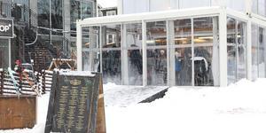 I pop up-restaurangen på torget serveras både lunch och middag under hela Gastronomy week.