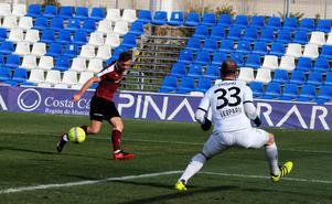 Filip Rogic spelar  in bollen istället för att skjuta men Nahir Besara  misslyckades fullständigt med avslutet.