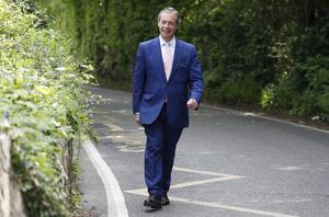 Nigel Farage avlade sin röst i Cudham Primary School i Biggin Hill på torsdagen.