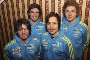 Här är den kvartett som är uttagna att representera Sverige vid onsdagens distanstävling. Ted Armgren, Fredrik Lindström, Tobias Arwidson och Peppe Femling.   Foto: skidskytte.se