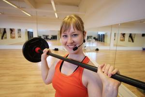 Aktiv. Elina Annala, 18 år, gillade bodypump-passen så mycket att hon utbildade sig till instruktör.