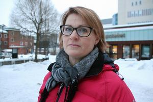 Lovisa Bengtsdotter Bäck var sjukskriven i ett år, på grund av stressreaktioner. Fortfarande oroar hon sig lite för varaktiga följder, exempelvis nedsatt minne, berättar hon.