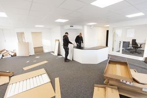 I butiken har inredningen börjat monteras och förhoppningarna är att köra en större invigning under januari.