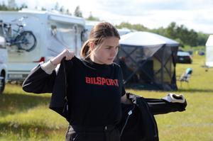 Wilma Andersson, Näsviken, är kvalsjua i Juniordragster, där Sundsvalls Emelie Svensson, har kvalat bäst.