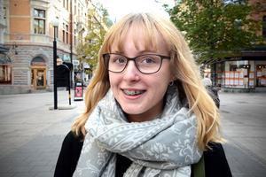 Anna Lundström, 18, studerande, Alnö: