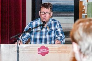 Anders Häggkvist oroas över befolkningsutvecklingen som ger ett tufft läge när det gäller att lösa budgeten för Härjedalens kommun.