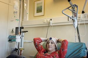 Vid behandlingstillfällena, när Isabella Scandurra får cytostatikan tillbringar hon nästan hela dagen på dagvården vid Wemerkliniken i Örnsköldsvik.