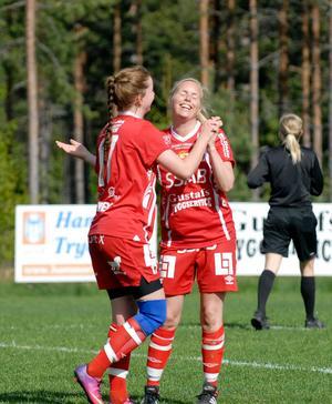 Anna Boström, 36, har egentligen varvat ner i Gustafs division tre-lag. Men när det blev spelarbrist klev hon in och gjorde två mål i division ett. (Arkivfoto)