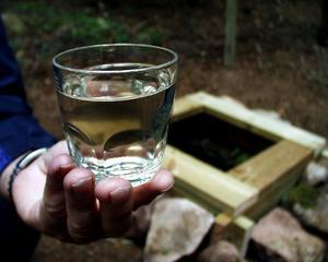 Kranvattnet kan vara missfärgat i delar av Skultorp under denna vecka. Det är inte farligt och enkelt att åtgärda.