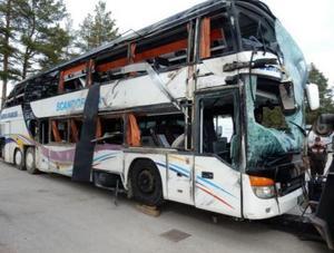 Bussen efter den bärgats. Fordonet har inga tekniska fel, enligt haverikommissionens utredning.