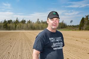 Per Willén, ordförande för LRF Örebro, skriver bland annat att den offentliga maten har blivit 39 procent dyrare de senaste åtta åren. Hur är det möjligt? /Foto: Gabriel Rådström