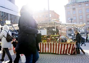 Det blir allt dyrare att stå på torget och sälja varor. Foto: Henrik Montgomery /TT/