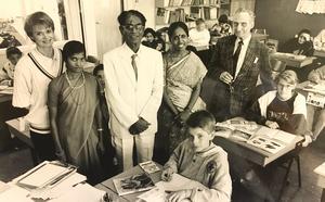 Malin Öhman, Andreas Dahlberg och de andra i klass 6 D på Vallbyskolan fick besök från Indien 1992. Foto: Tony Persson/VLT:s arkiv