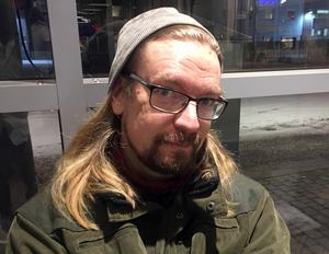 Mats Johansson, 42 år, Nissanägare och intendent, Alnö