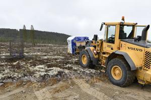 Material till det första fundamentet körs nu på plats på Idre Himmelfjäll.