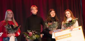 Lisa-Marie Högdahl, Gustaf Thåström, Jennifer Lundquist och Ofelia Ehnberg Ahola blev alla pristagare i årets tävling om Lilla Sherlockpriset.